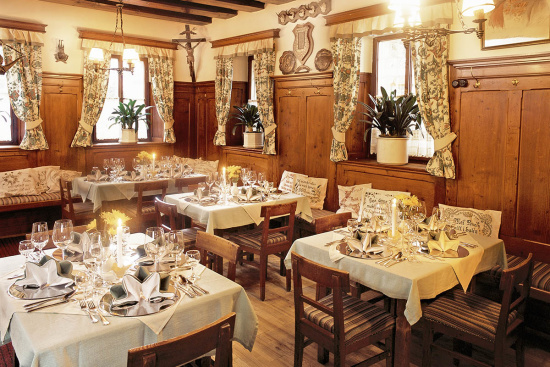 Gaststube mit alter Kuchl - Restaurant in Altenmarkt